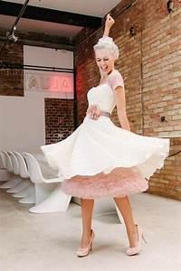Küss Die Braut Kleider Preise : kurze brautkleider f r standesamt und kirche k ss die braut hochzeitskleid petticoat ~ Watch28wear.com Haus und Dekorationen