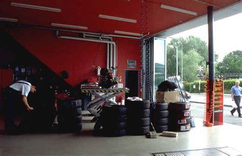 zurich building switzerland tyre shop art exchange