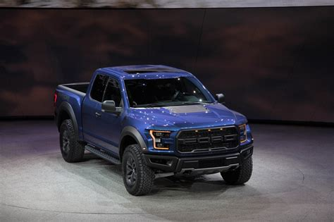 ford   raptor picture  truck review