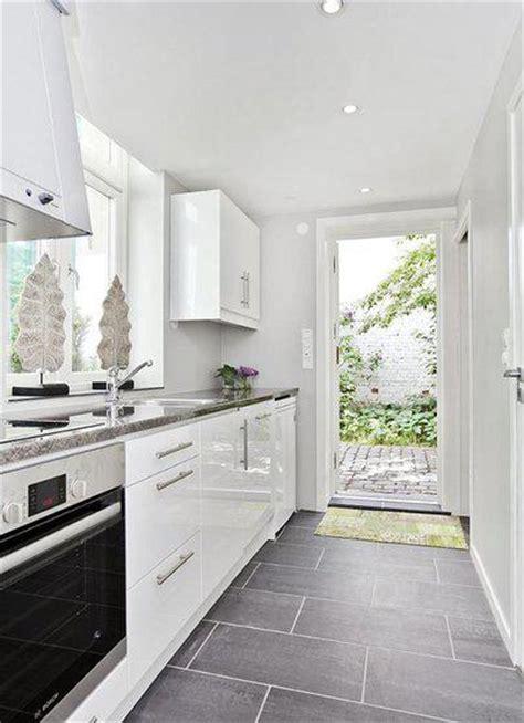 white kitchen grey floor tiny house in norway paperblog 141 | tiny house in norway L YS6Mud