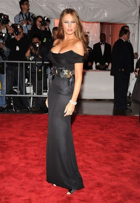 melania trump donald gala lady met 2009 ivanka knauss robe naked president want does topless sexy son garde lexpress tenue