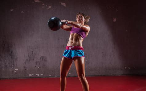 kettlebell muscles swings russian