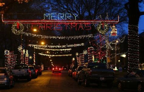 nine must see holiday light displays in st louis