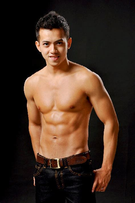 All Indonesian Guys: Shirtless Hunk