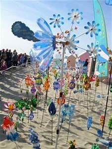 recyclages de bouteilles plastiques en sculptures par With moulin a vent decoration jardin 11 jardins du vent de berck sur mer plasticien recup