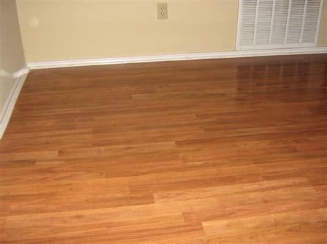 Laminate Flooring: Wood And Laminate Flooring