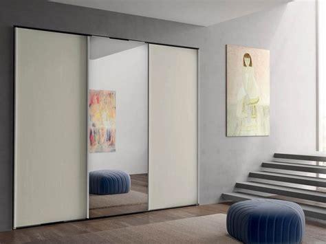 armadi a specchio scorrevoli armadio moderno armadio con 3 ante scorrevoli con centrale