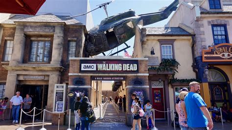 The official announcement was made on the march 13 episode of talking dead hosted by chris hardwick. The AMC Walking Dead attraction at Universal Studios ...