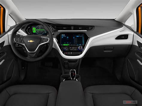 bold interieur 2017 chevrolet bolt interior u s news world report