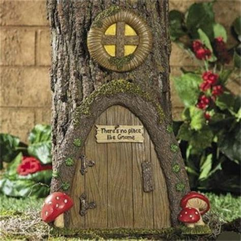 solar lighted gnome door tree decor