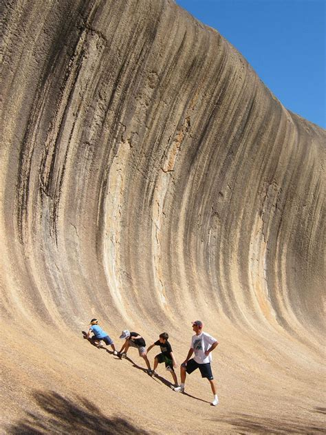 This Incredible Natural Rock Formation In Australia Looks ...