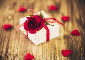 Top 20 Valentine's Day gifts you need to buy - Asda Good ...