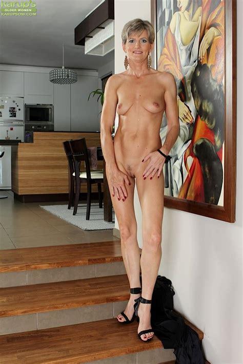 Karups Older Women Elegant Older Babe Melanie Spreads