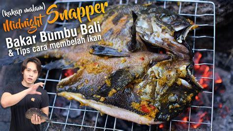 Bakar ikan sambil diolesi campuran sisa bumbu dan minyak di atas api sedang sampai matang. Ikan Bakar Bumbu Kuning Dan Cara Membelah Ikan Youtube