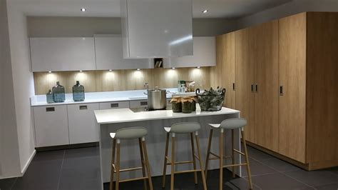 couleur mur cuisine blanche cuisine blanche et bois couleur mur palzon com