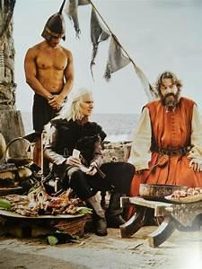 Viserys Targaryen & Illyrio Mopatis - Game of Thrones ...