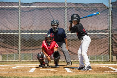 Baseball Catcher Tips: Giving Signs to the Pitcher | PRO TIPS by DICK'S Sporting Goods