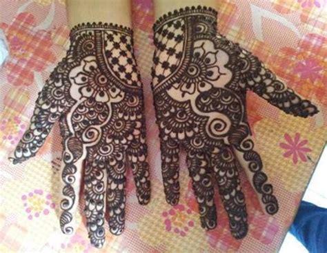 attraction hand mehndi design  girls