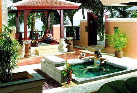 Backyard With Tub by Outdoor Decorating Ideas Tubs Jacuzzis