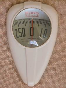Vintage borg bathroom scale made in the usa for Borg bathroom scale