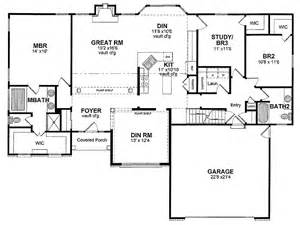 one story house plan traditional one story hwbdo13921 ranch house plan from builderhouseplans