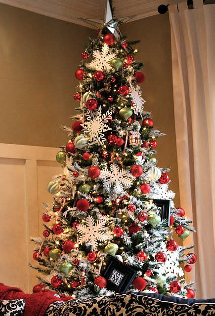 Decorating Ideas For Trees by Diy Sparkly Flocking And Great Decorating Tips