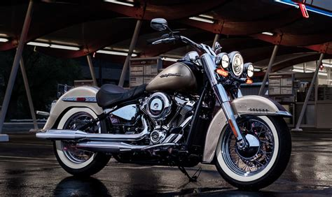 Harley-davidson Launches Eight New 2018 Softail Models