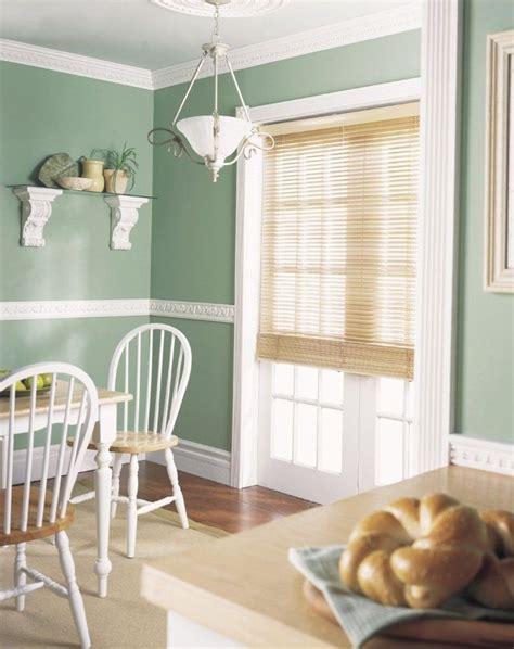 farbe für wohnzimmer wand pastellgr 252 ne wandfarbe und stuckleisten im landhausstil home decor stuckleisten landhaus