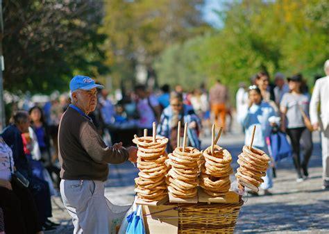 greece athens street koulourakia donut seller october atene koulouri greek bread pane greco rings sesame foods koulouria anelli typical venditore