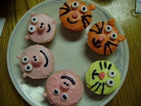 animal cupcakes   decorate  animal cake food