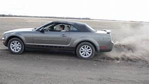 '05 Mustang V6 straight piped dirt road peel - YouTube