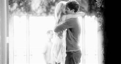 Hugging Hug Couple Cuddle Kiss Gifs Bed