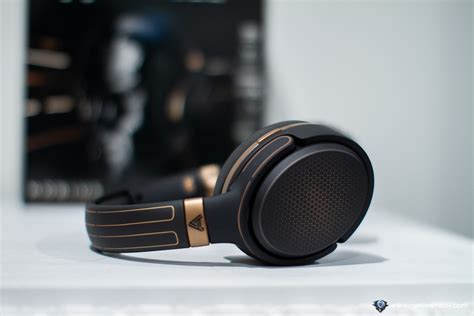 World's First Audiophile Gaming Headset with Planar ...