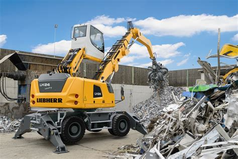 liebherr lh material handler  london client contract plant rental