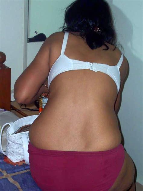 Indian Saree Backside Xxx Images मोटी गांड वाली आंटी की