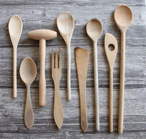 ustensiles de cuisine en bois 17 meilleures id 233 es 224 propos de cuill 232 res en bois sur