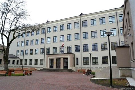 Par labāko vidusskolu atzīta Daugavpils Krievu vidusskola ...