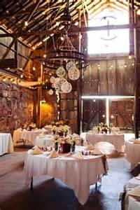 barn weddings ny decoración de bodas con globos 32 propuestas originales