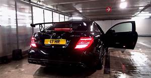 Garage Mercedes 95 : c63 amg black series does burnout in parking garage fire alarm goes off ~ Gottalentnigeria.com Avis de Voitures