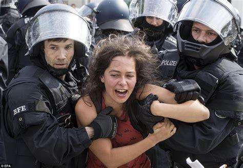 protesters   blind police   hamburg summit