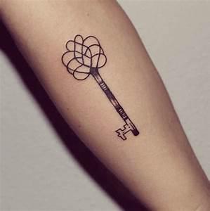 Tatouage Minimaliste : cle tatouage minimaliste tatouage pinterest tatouage ~ Melissatoandfro.com Idées de Décoration