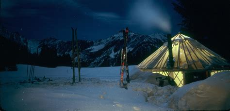 the grid vacations off the grid vacation rentals book off grid back country vacation rentals and discover