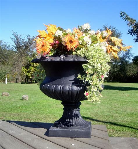 Outdoor Vases And Urns 22 quot cast iron california urn metal garden flower pot