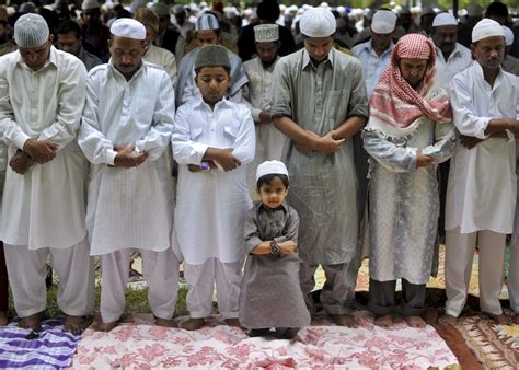 indian muslim leaders condemn isis trump  muslims