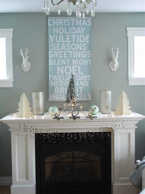 50+ Absolutely Fabulous Christmas Mantel Decorating Ideas