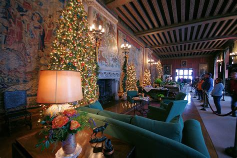 photo   christmas  biltmore house asheville nc