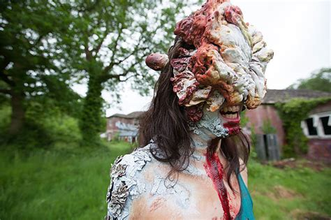 Terrifying Clickers Cosplay From 'the Last Of Us Design
