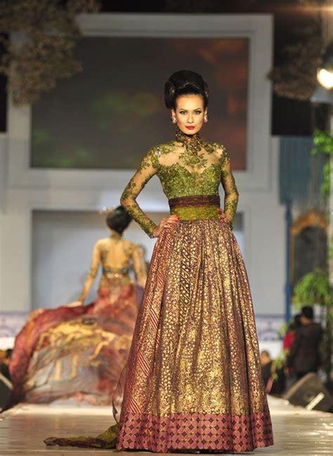 gaun pesta  batik modifikasi  brokat pretty