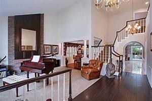 Bilder Von Wohnzimmer : bilder von fl gel klavier wohnzimmer treppe innenarchitektur sessel ~ Sanjose-hotels-ca.com Haus und Dekorationen