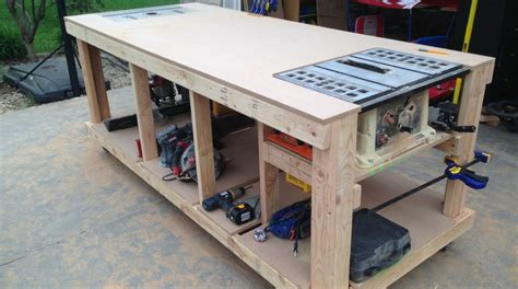 building   wooden workbench
